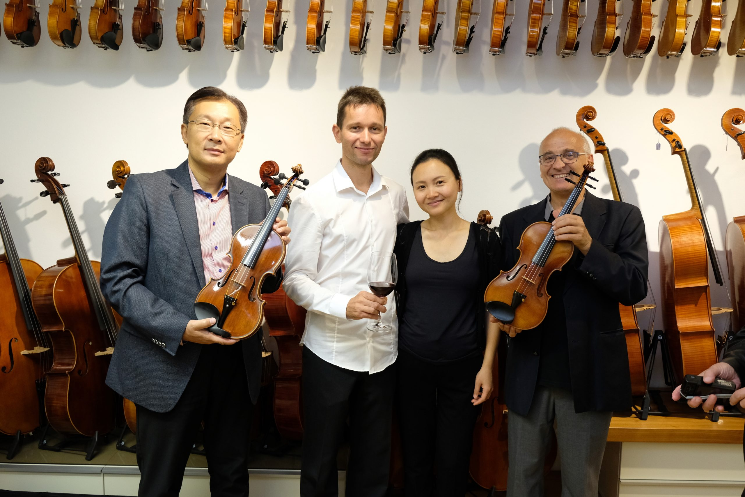 Lui Chan, Alexander Schütz, Qianqian Feng Schütz, Johannes Sonnberger