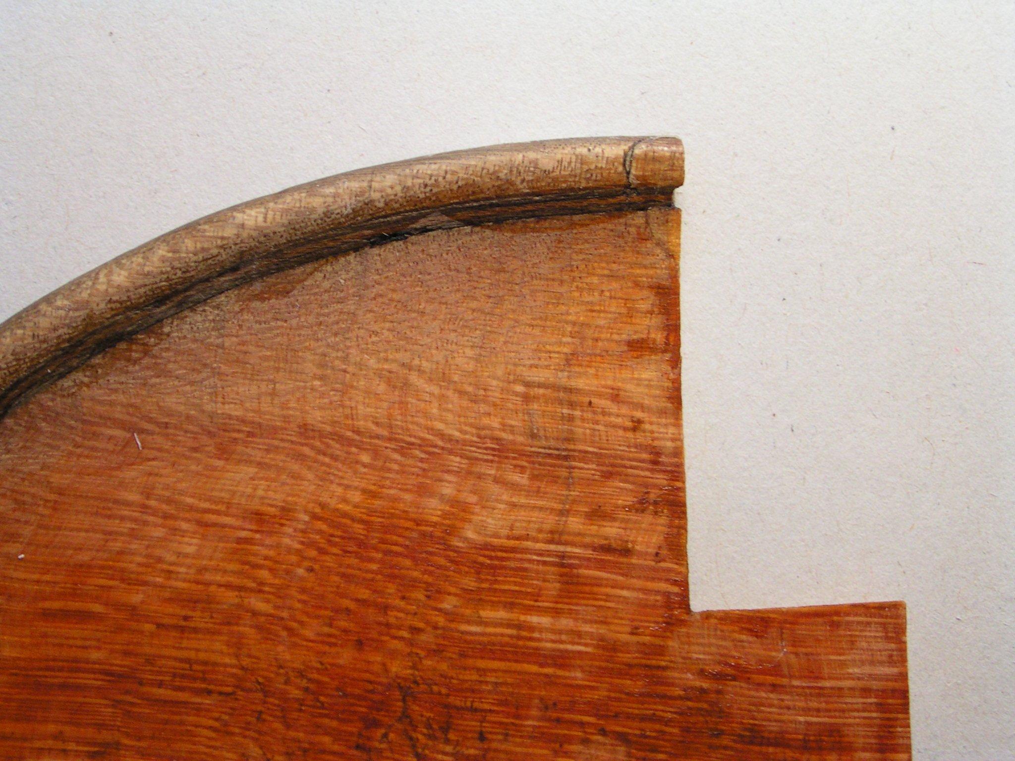 schlecht passendes Holzstück entfernt